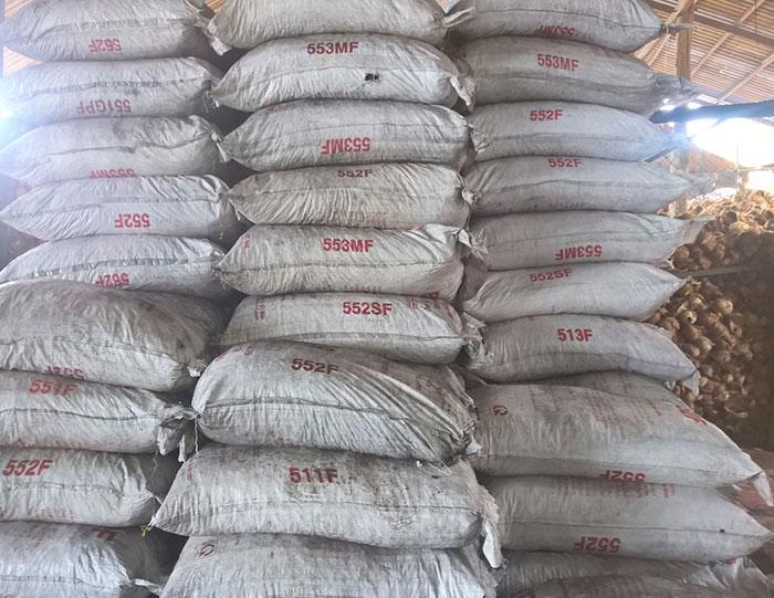 Than dừa đóng bao trọng lượng 50kg
